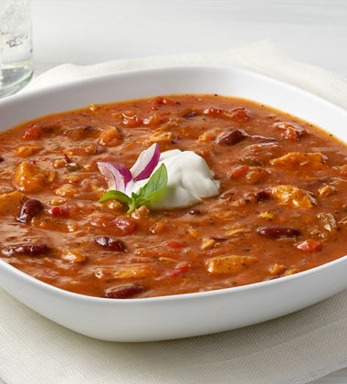 CAMPBELL'S® RESERVE BASIL CHICKEN CHILI WITH BEANS