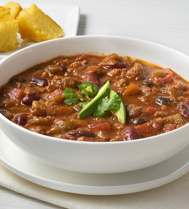 CAMPBELL'S® RESERVE SAVORY BEEF CHILI WITH SPICY PEPPER TRIO