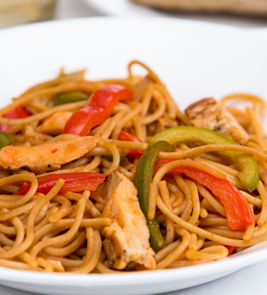 THAI TOMATO NOODLES WITH CHICKEN