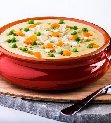 CREAMY CHICKEN AND BEAN SOUP