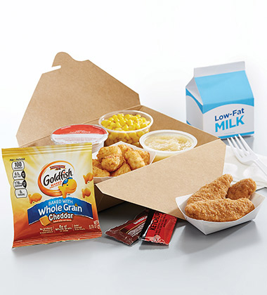 CHICKEN STRIP BISTRO LUNCH BOX WITH GOLDFISH MADE WITH WHOLE GRAIN CHEDDAR