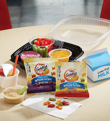 VEGGIE GOOD HUMMUS BISTRO BOX WITH GOLDFISH®