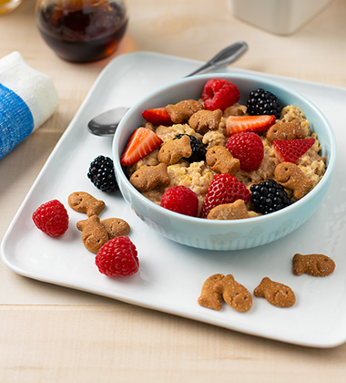 BERRY GOOD OATMEAL MADE WITH GOLDFISH® GRAHAMS BAKED WITH WHOLE GRAIN – FRENCH TOAST