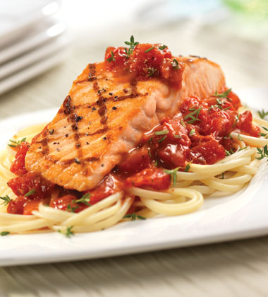 GRILLED SALMON WITH POMODORO SAUCE