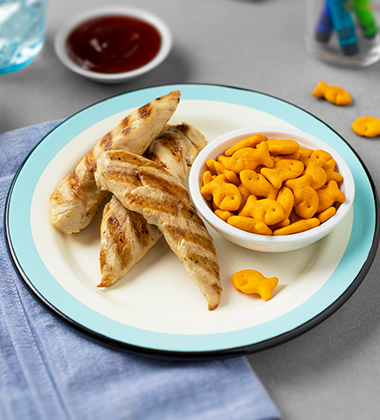 SIZZLIN' TENDERS WITH GOLDFISH® CHEDDAR CRACKERS