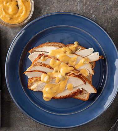 ROASTED POBLANO & WHITE CHEDDAR GRAVY MADE WITH CAMPBELL'S® RESERVE ROASTED POBLANO & WHITE CHEDDAR