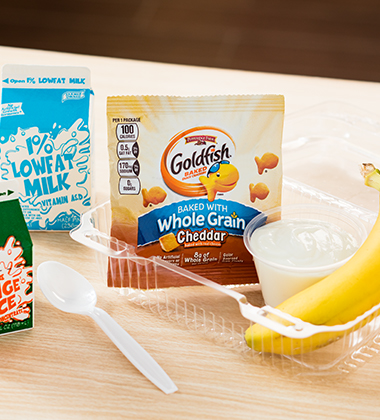 GOLDFISH® BAKED WITH WHOLE GRAIN CHEDDAR BREAKFAST COMBO