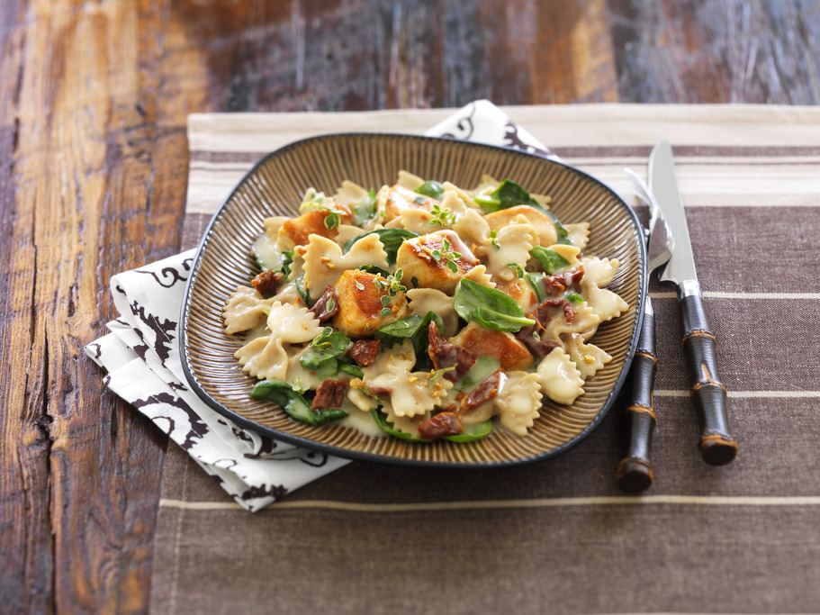 Chicken & Sundried Tomato Bowtie Pasta with White Wine