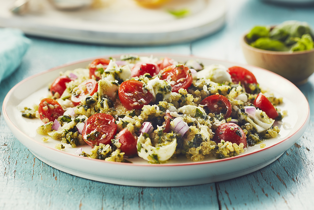 Tomato and Mozzarella Quinoa Pesto Salad