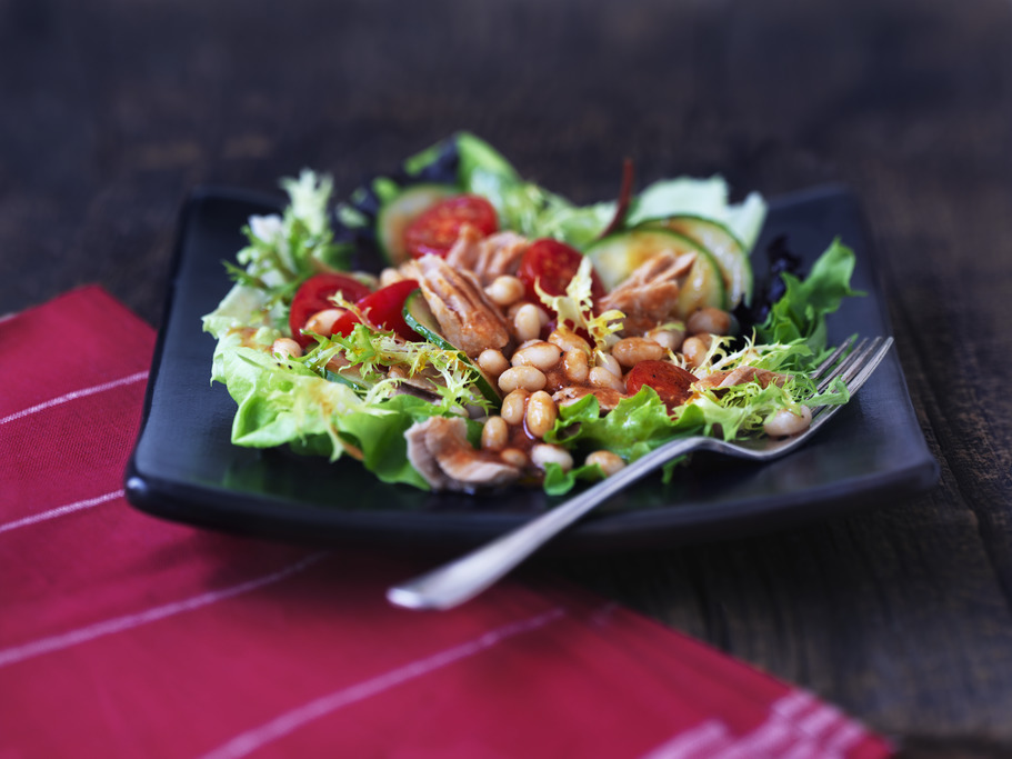 Tuna and White Bean Salad with V8® Dressing
