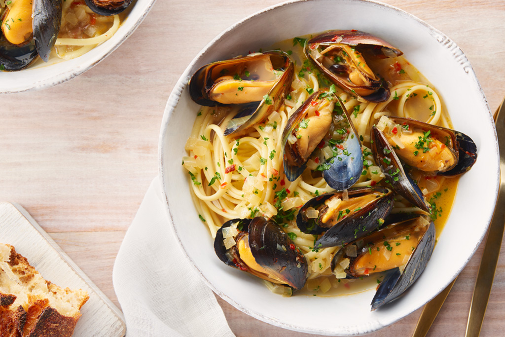 Garlic and Herb Mussel Linguine