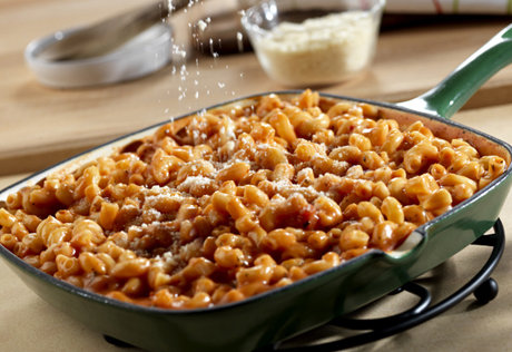 Elbow Macaroni Is Dressed With A Cheesy Tomato Sauce For This Stove Top Version Of Macaroni And Cheese Best Of All It S Ready In Just 25 Minutes