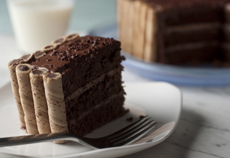 Chocolate Pirouette-Crusted Cake