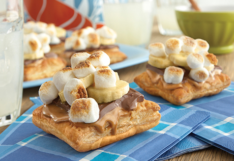 Chocolate, Peanut Butter & Banana S'more Puffs