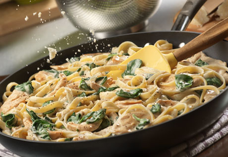 Simple Chicken Florentine Alfredo With Fettuccine
