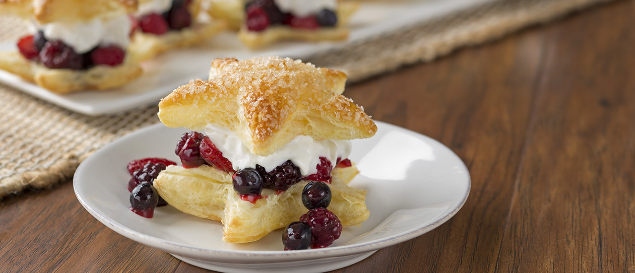 Star Berry Cream Puffs
