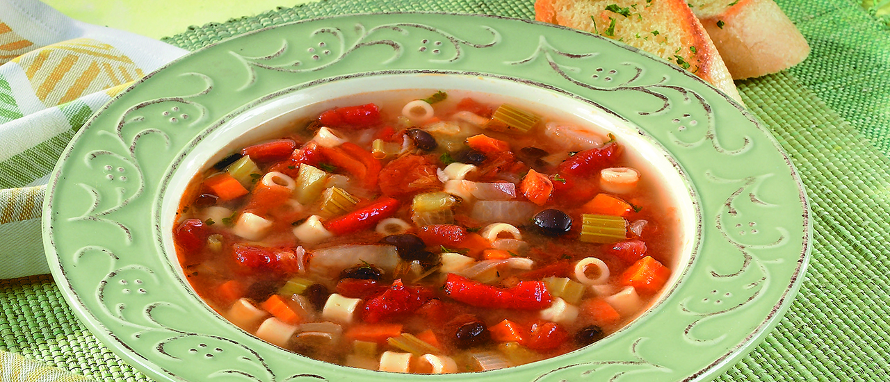 Bean, Pasta & Roasted Pepper Soup