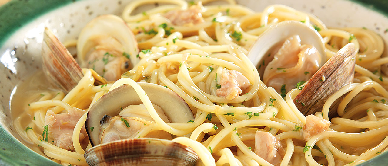 Easy One-Pot Spaghetti & Clams