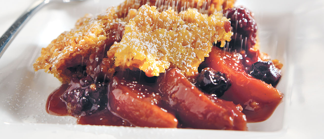 Slow Cooker Peach & Berry Cobbler