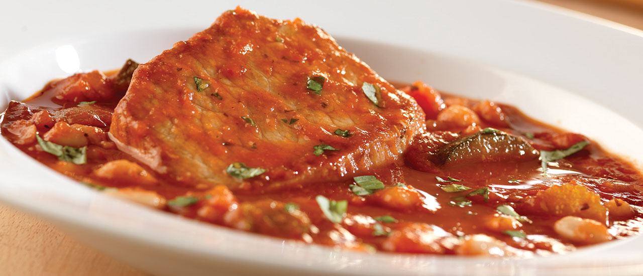 pork chops with tomato sauce and onions Tomato & Onion Pork Chops with Cannellini Beans
