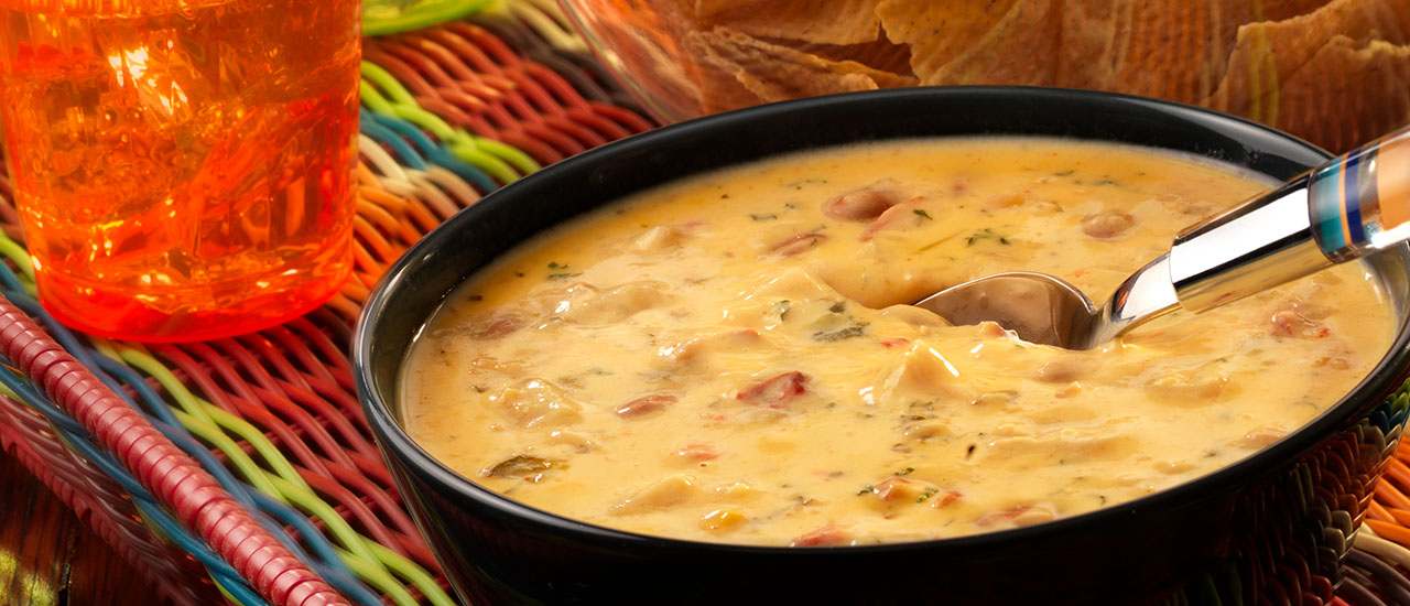 Chipotle Chicken con Queso Dip