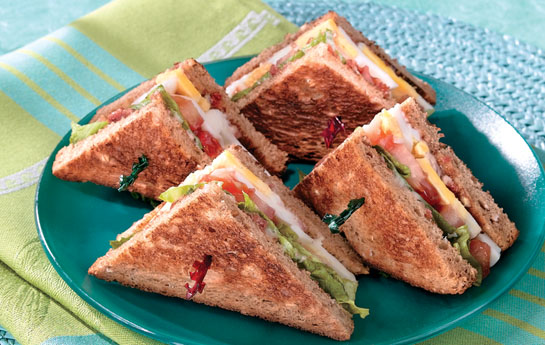 Club-Style Tomato and Egg Sandwiches