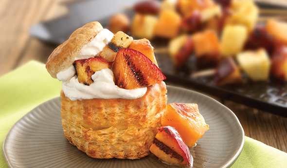 Grilled Fruit and Cream Puffs