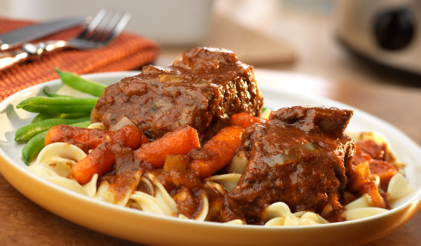 Slow Cooker Merlot Marinara Short Ribs