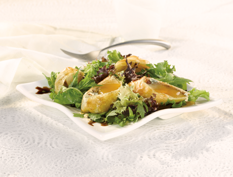 Gorgonzola & Honey Pear en Croûte Salad